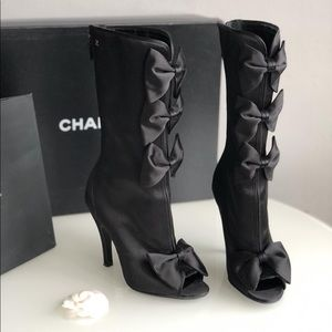 Chanel open toe bow boots sz37
